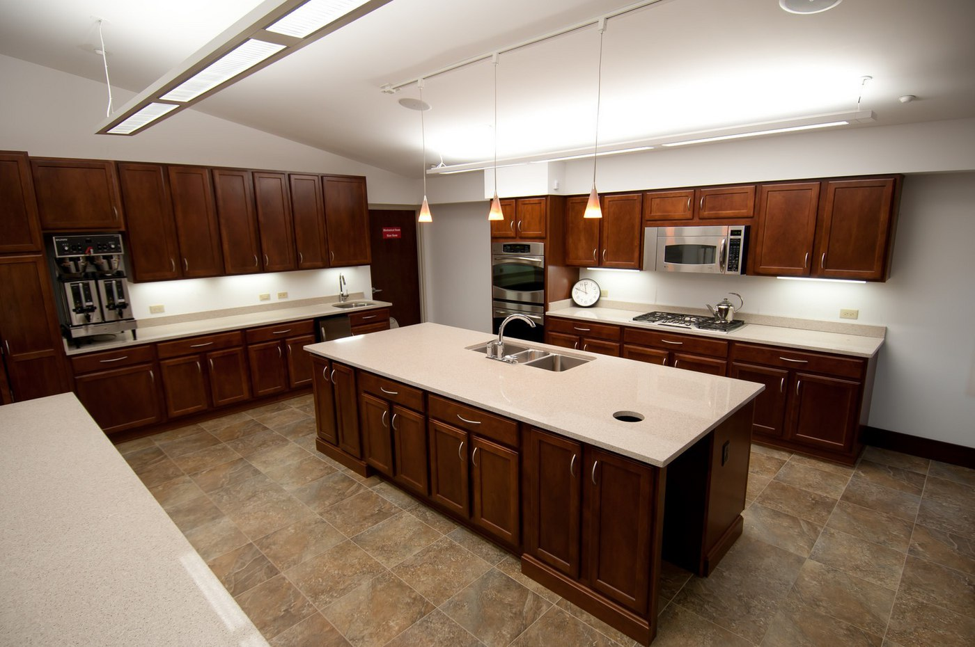 Indy_AC_Kitchen_(01).jpg