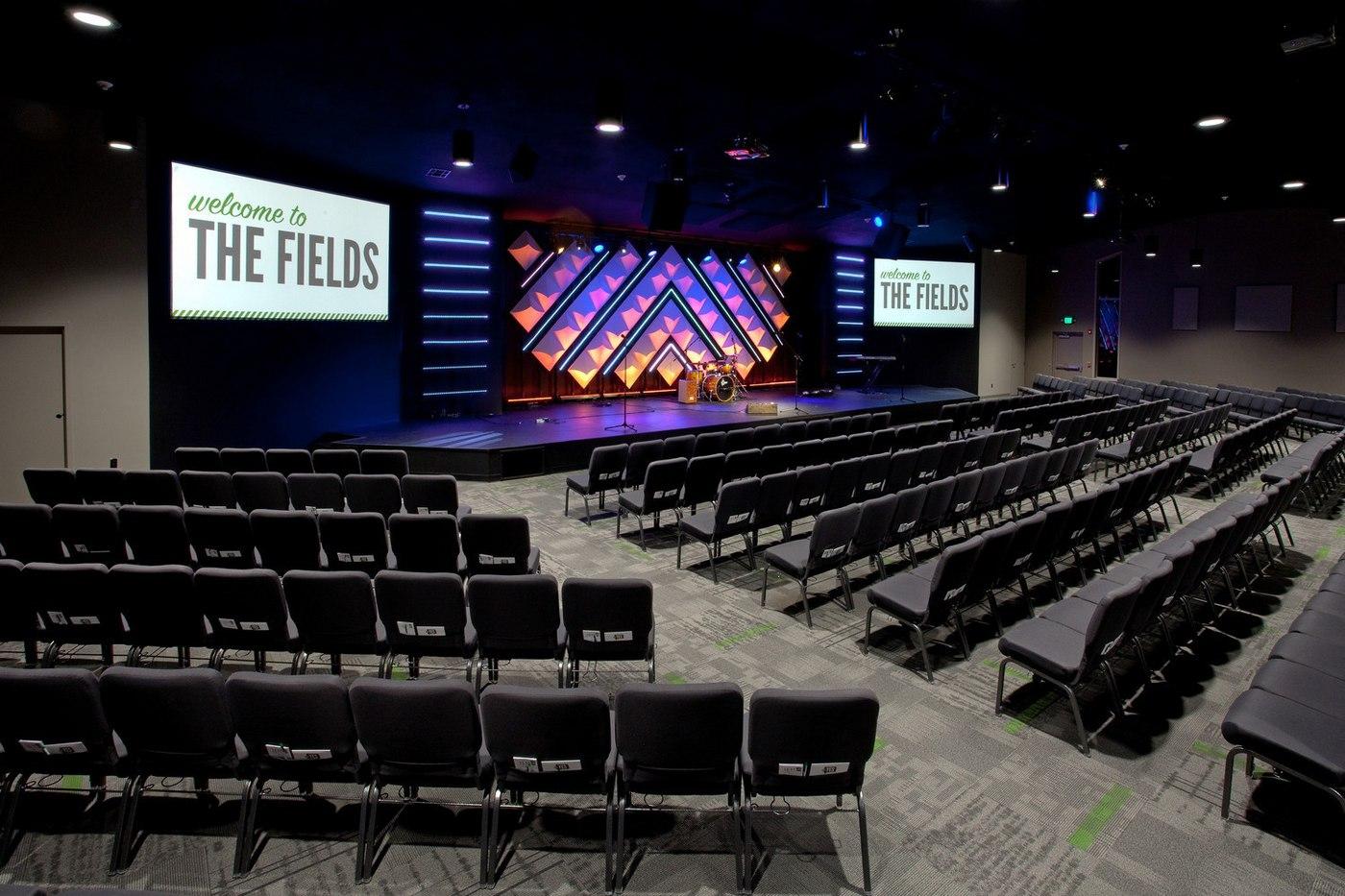 The_Fields_-_Auditorium_(03).jpg