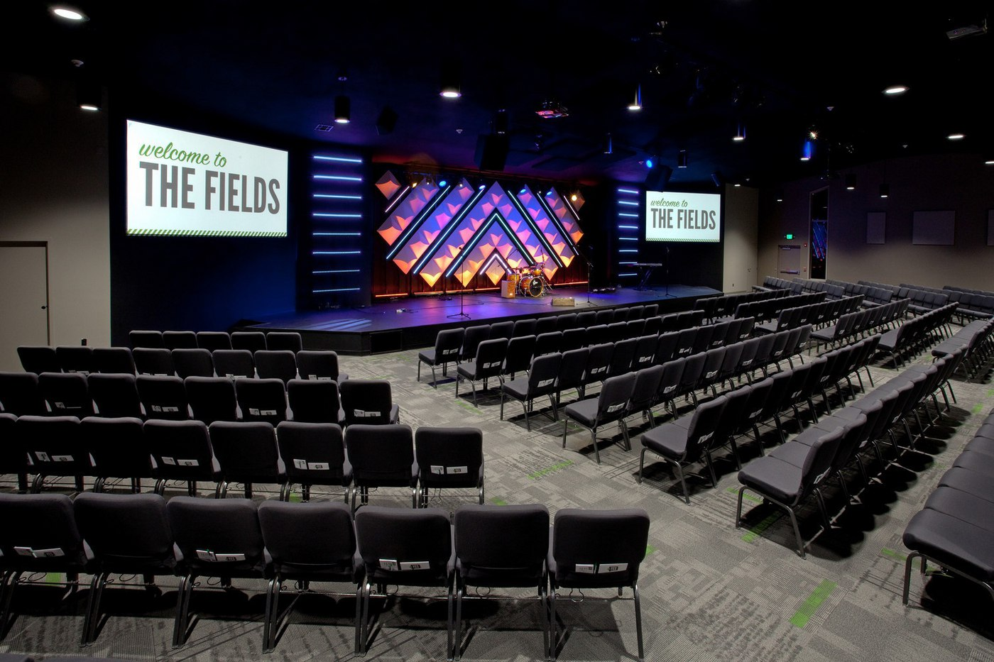 The_Fields_-_Auditorium_(03).jpg