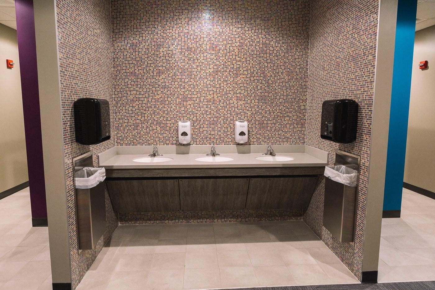 west-bridge-aspen-group-restroom