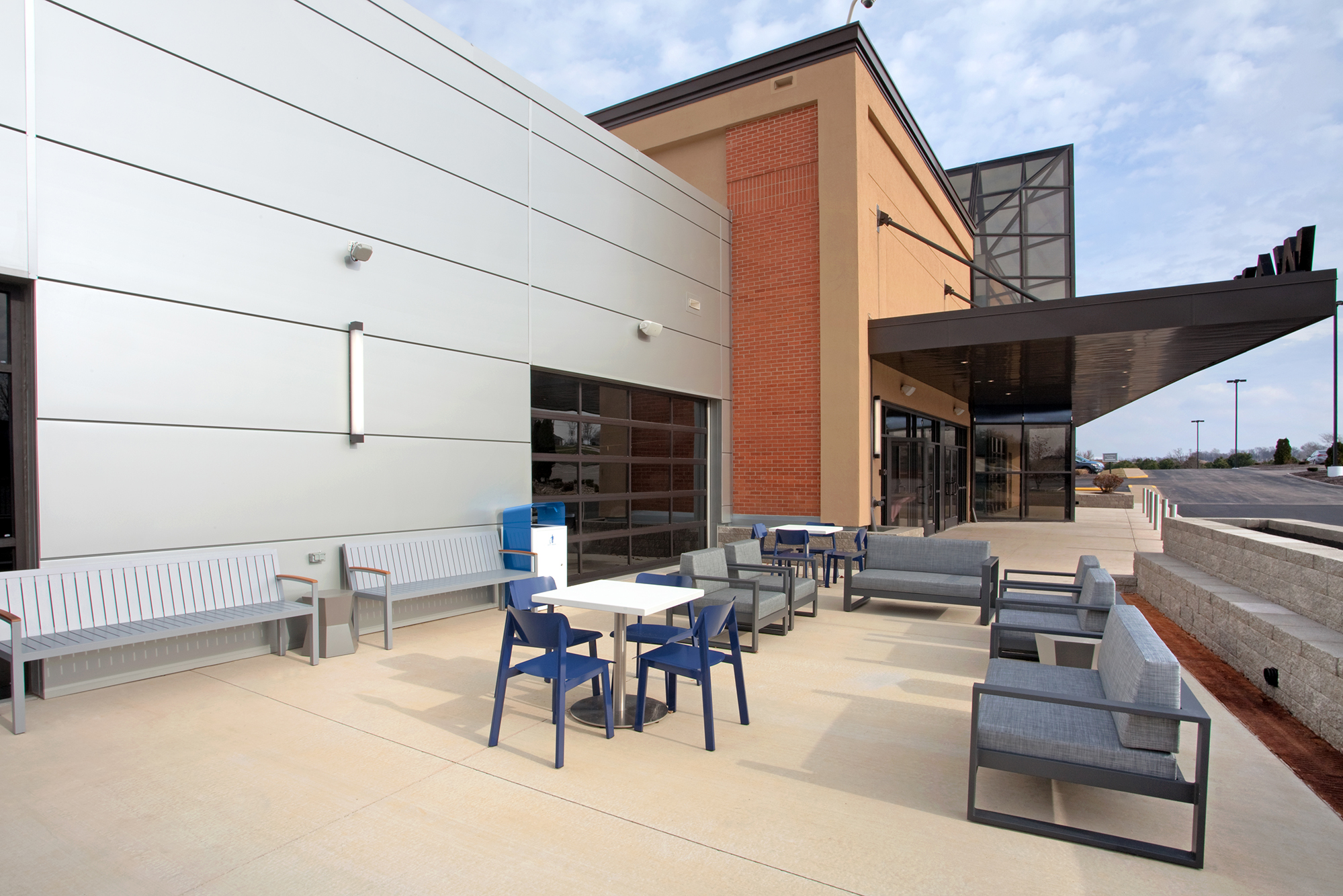 waypoint-exterior-patio